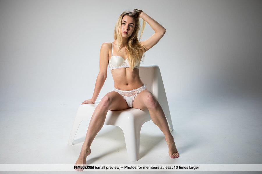 alecia fox nude