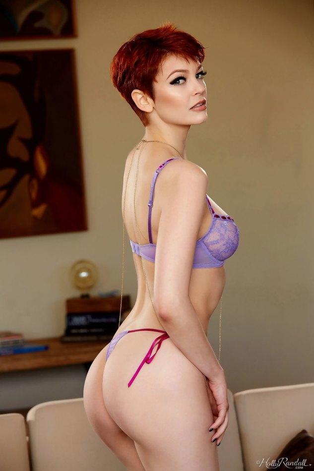 Sexy Bree Daniels Nude
